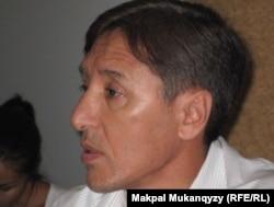 «Азат» жалпыұлттық социал-демократиялық партиясының тең төрағасы Болат Әбілов.