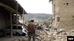 A house after it was bombed by Pakistani fighter jets in North Waziristan