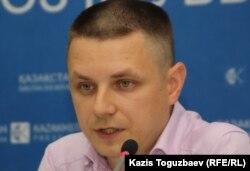 Денис Дживага, представитель Казахстанского бюро по правам человека. Алматы, 23 июня 2011 года.