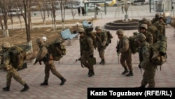 Казахстанские военнослужащие. Иллюстративное фото