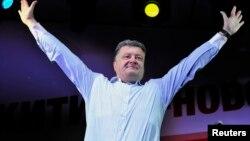 Петро Порошенко Черкассы шаарында шайлоочулар менен жолугууда, 20-май, 2014-жыл