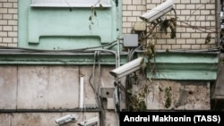 CCTV cameras on a building in Moscow