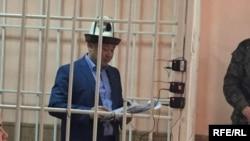Канатбек Исаев в суде.
