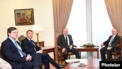 Глава МИД Армении Эдвард Налбандян принимает сопредседателей Минской группы ОБСЕ, Ереван, 6 октября 2017 г.