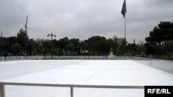 Buz meydanı 1000 kvadratmetr sahədə salınıb