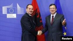 Fotografi arkivi e Hose Manuel Barroso dhe Presidentit shqiptar, Bujar Nishani