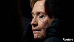 کلنتن: امیدوارم او رئیس جمهور موفق برای تمامی امریکاییها باشد.