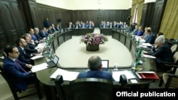 Armenia - Prime Minister Nikol Pashinian holds a cabinet meeting in Yerevan, 18 October 2018.