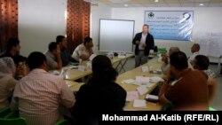 مشاركون في دورة تدريبية لصحفيي نينوى