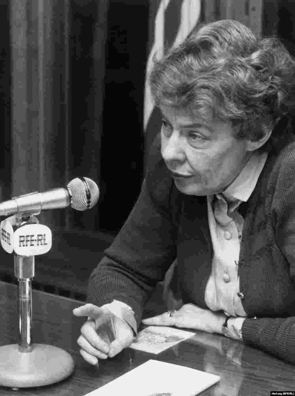 Ronald Regan's foreign policy adviser and ardent anticommunist Jeane Kirkpatrick sits down with RFE in 1980. - Ronald Regan's foreign policy adviser and ardent anticommunist Jeane Kirkpatrick sits down with RFE in 1980.