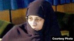 İran parlamentinin deputatı İşrət xanım Şaiq