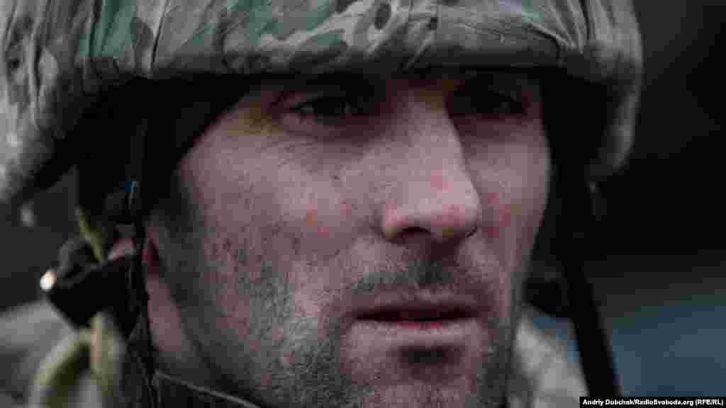 Іван, військовий, який нас скрізь супроводжував на позиціях