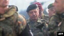 Kомандантот на КФОР, генерал мајор Ерхард Друс.