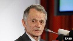 Ukraina prezidentiniñ qırımtatar halqınıñ işlerinden Vekâletlisi Mustafa Cemilev