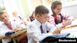 Урок в українській школі, ілюстративне фото