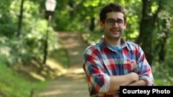 Мартин Галевски, пост-дипломец по образовни политики на Универзитетот Кембриџ - Англија.