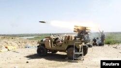 """Иракские войска ведут обстрел позиций """"Исламского государства"""", 31 марта 2015 г."""