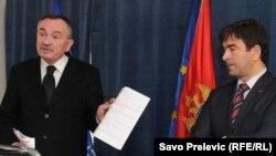 Branko Radulović i Nebojša Medojević na konferenciji za novinare povodom podnošenja tužbe, 15. februar 2011.