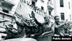 """Уходя на Восточный фронт, солдаты испанской """"Голубой дивизии"""" рассчитывали на скорое возвращение с победой."""