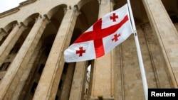 Государственный флаг Грузии. Иллюстративное фото.