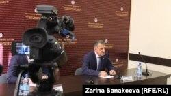 Анатолий Бибилов поручил исполнительной власти до конца февраля отчитаться о проделанной за год работе