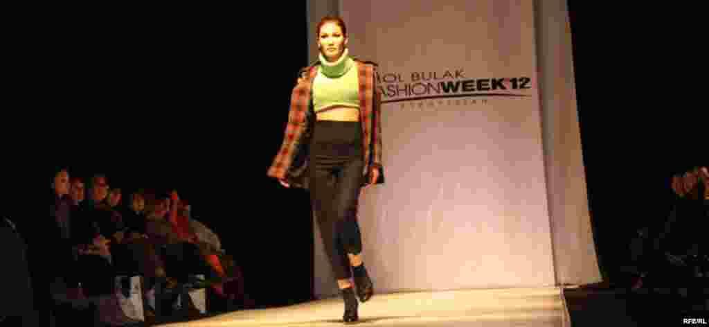 Осенняя Неделя моды-2012 #12