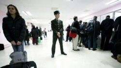 """Türkmen migrantlary resmileriň hereket azatlygy baradaky aýdanlary bilen """"ylalaşmaýarlar"""""""