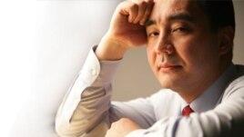 Қырғызстанның экс-президенті Асқар Ақаевтың бұрынғы күйеу баласы Әділ Тойғанбаев.
