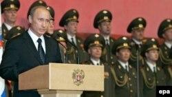 La o întîlnire cu armata în 2007