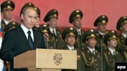 Станислав Белковский: «Существует миф о том, что при Путине произошла невероятная милитаризация страны»