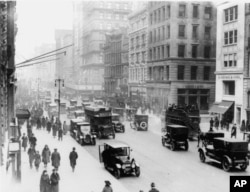 ნიუ-იორკი, ხედი 46-ე ქუჩისა და მე-5 ავენიუს კვეთაზე 1919 წლის დეკემბერში.