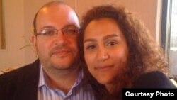 یگانه صالحی و همسرش جیسون رضاییان