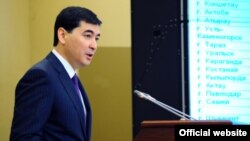 Мурат Оспанов, в бытность председателем агентства Казахстана по регулированию естественных монополий. Фото с официального сайта премьер-министра Казахстана.