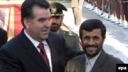 Tajik President Emomali Rahmon (left) with Iranian President Mahmud Ahmadinejad in Tehran
