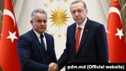 Liderul democrat Vlad Plahotniuc şi preşedintele turc Recep Tayyip Erdogan