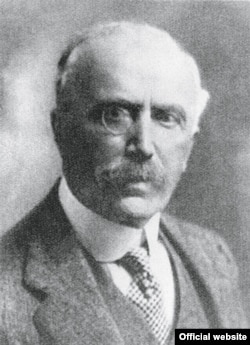 Maximilian von Goldschmidt-Rothschild, cca 1910, unul din marii colecționari evrei germani din epoca interbelică (Institut für Stadtgeschichte, Frankfurt am Main)
