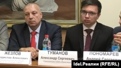 Владислав Жезлов (слева)