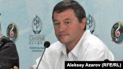 Руководитель службы безопасности ретрофестиваля Юрий Бочкарев. Алматы, 3 сентября 2013 года.