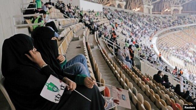 """""""Ne znam što da mislim o vijesti da su 'hrabre' žene Saudijske Arabije nedavno izborile pravo da navijaju za svoje nogometaše kao i sve druge žene na svijetu"""""""
