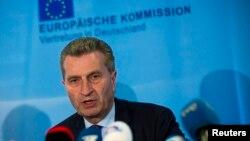 Глава комиссии ЕС по энергетике Гюнтер Эттингер