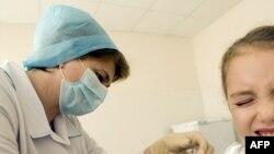 Вакцинация ребенка. Иллюстративное фото.