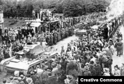 Польские танки въезжают в Тешин, октябрь 1938 года