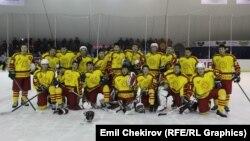 Хоккей боюнча Кыргызстандын курамасы.