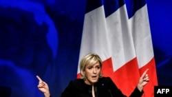 Marine Le Pen, kandidate për presidente në Francë, mbështet politikën ruse në Ukrainë.