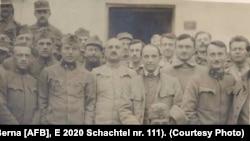 Ofițeri prizonieri la Dobrovăț, 1918