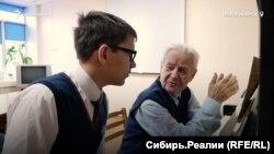 Фёдор Некипелов из Новосибирска со своим учителем Алексеем Бороздиным