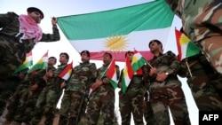 Бійці курдської «Пешмерґи» у місті Ірбіль, 17 грудня 2014 року