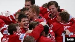 Канадські хокеїсти після перемоги