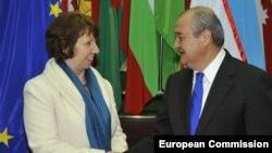 Верховный представитель ЕС по внешней политике и безопасности Кэтрин Эштон и министр иностранных дел Узбекистана Абдулазиз Камилов. Ташкент, 28 ноября 2012 года.