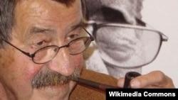Scriitorul Günter Grass
